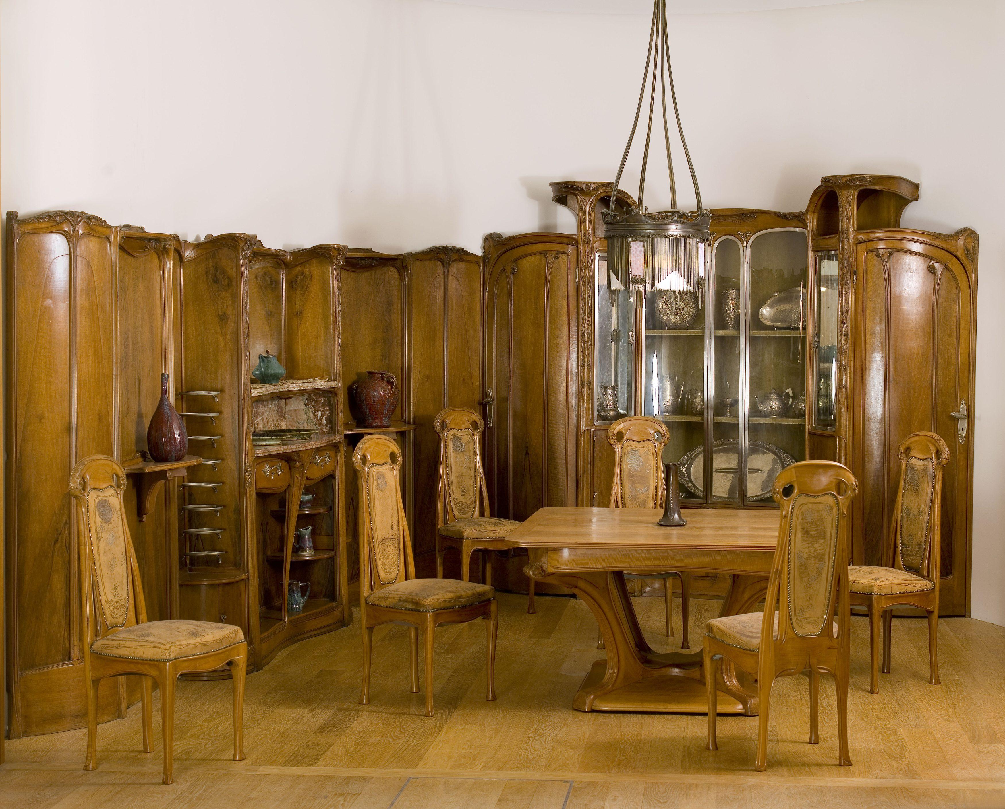 Hector Guimard - The Guimard dining room