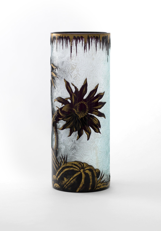vase with cactus decoration petit palais. Black Bedroom Furniture Sets. Home Design Ideas