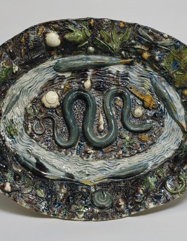 Grand plat ovale à décor de « rustiques figulines »
