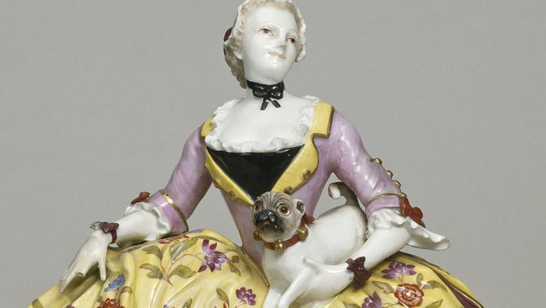 Figurine de Meissen : La dame aux carlins